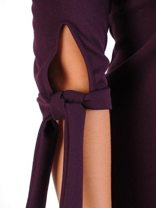 Sukienka z dzianiny, fioletowa kreacja z wiązaniem na rękawach 23017