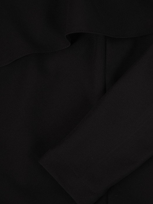 Asymetryczna sukienka z falbaną 17497, czarna kreacja wieczorowa.