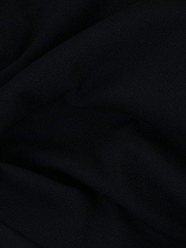 Atrakcyjna sukienka z kieszeniami 14834, czarna kreacja na wiosnę.