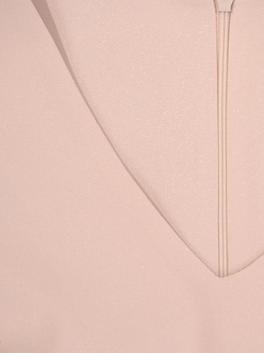 Beżowa sukienka z koronkową aplikacją, elegancka kreacja wyszczuplająca 21871