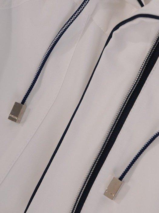 Biała kurtka z ozdobnymi zamkami 24635