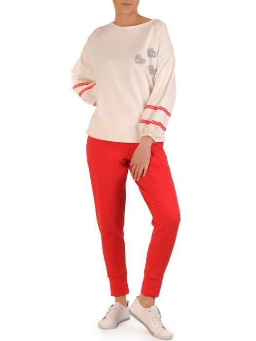 Biało czerwony komplet dresowy z ozdobnymi tasiemkami na rękawach 28696
