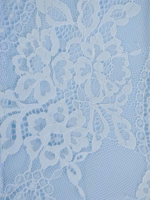 Błękitna sukienka maksi, kreacja z ozdobnym rozcięciem 26851