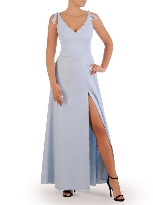 Błękitna suknia w nowoczesnym fasonie, kreacja z efektownym 26741 rozcięciem