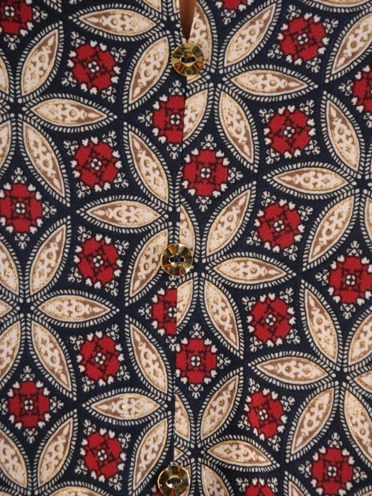 Bluzka damska z ozdobnym dekoltem 26590