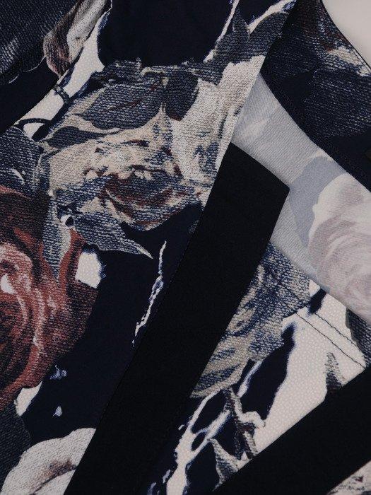 Bluzka z modną wstawką przy dekolcie 17361.