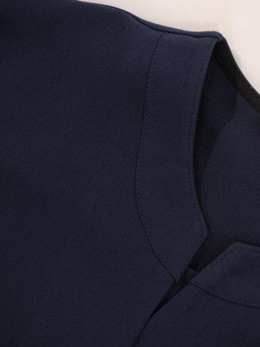 Bluzka z modnymi, bufiastymi rękawami 19132