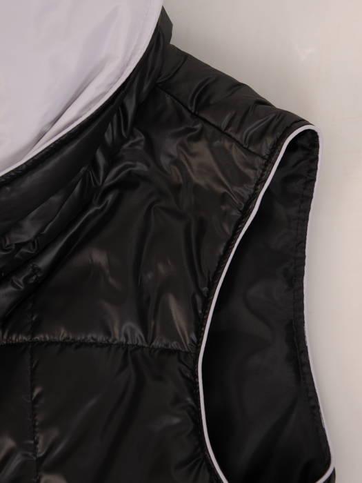 Czarna, pikowana kamizelka damska z kapturem 30637