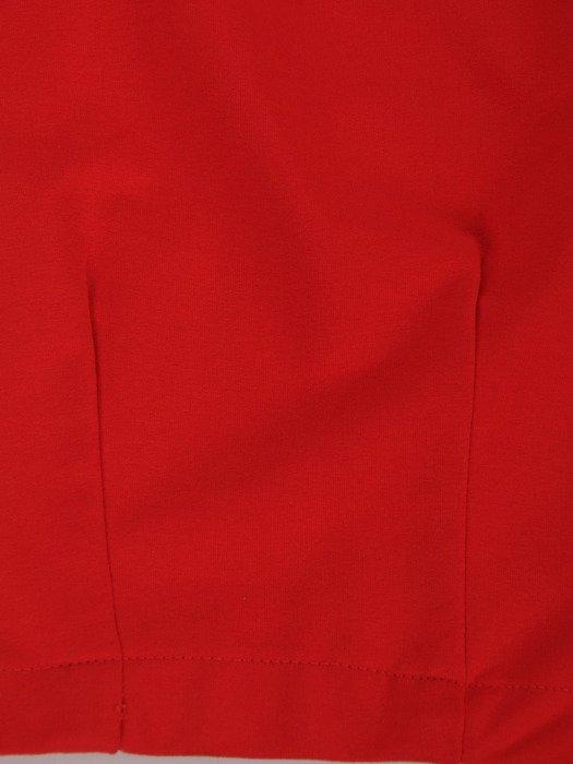 Czerwona sukienka Nina II, luźna kreacja wyszczuplająca brzuch.