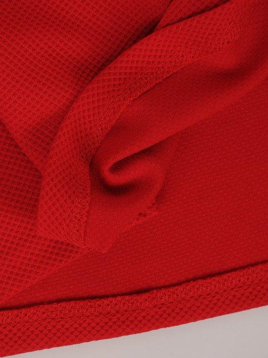 Czerwona sukienka o prostym kroju 17230, modna kreacja z dzianiny.