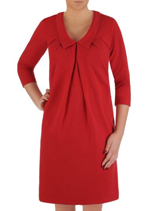 Czerwona sukienka ze stylowym kołnierzem, kreacja maskująca brzuch 19200