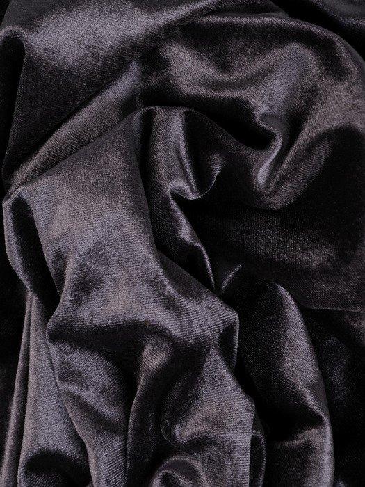 Długa, aksamitna suknia w nowoczesnym fasonie 18888