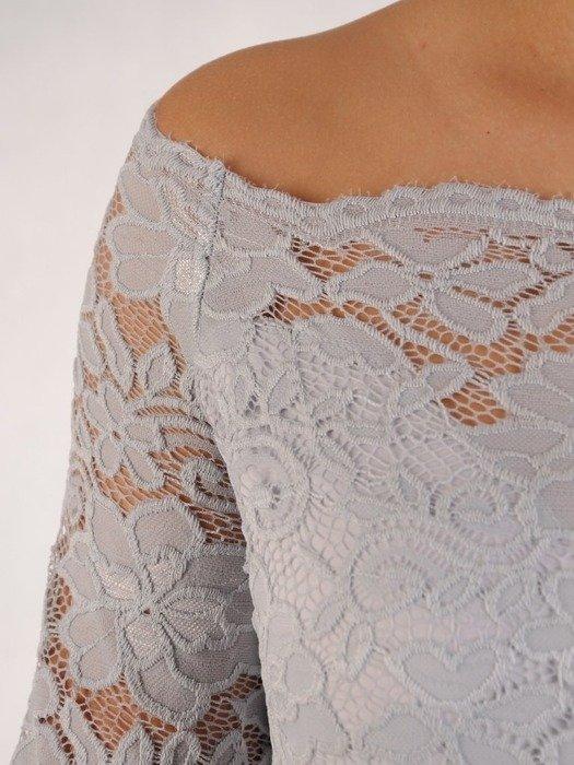 Długa sukienka z koronkowym topem, kreacja z modnym dekoltem 22909
