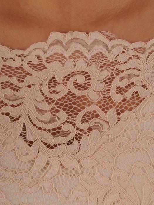 Długa sukienka z koronkowym topem, kreacja z modnym dekoltem 22925