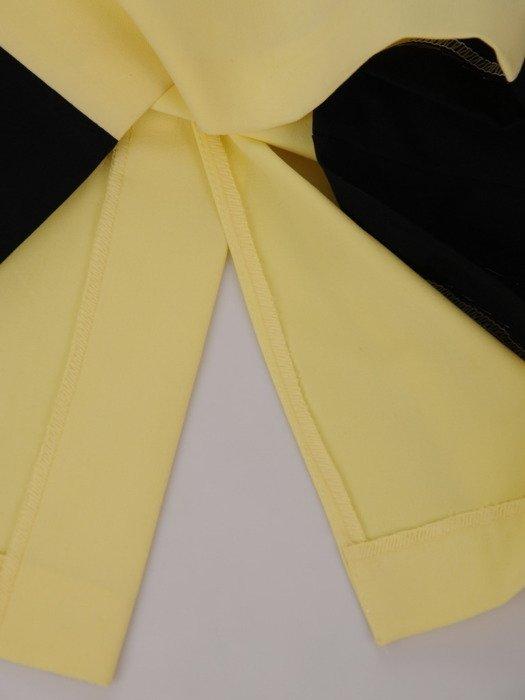 Dwukolorowa sukienka wyszczuplająca Aurora VIII, modna kreacja modelująca figurę.