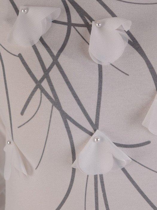 Dzianinowa bluzka z modną aplikacją 17999.