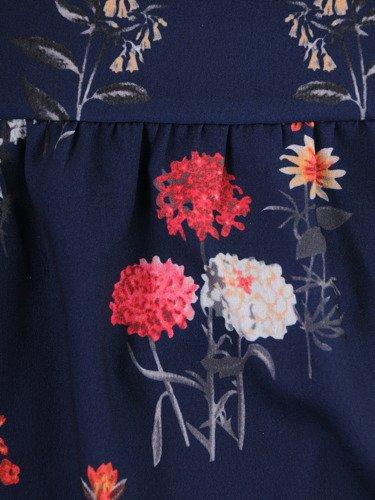Elegancka sukienka w dziewczęcym fasonie 15672, kreacja w ozdobne kwiatki.