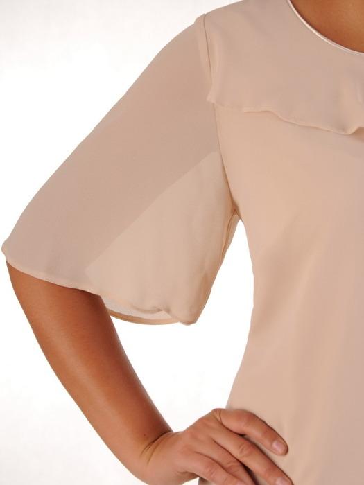 Elegancka sukienka z asymetryczną falbaną przy dekolcie 21784