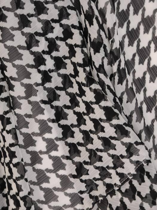 Elegancka sukienka z wiązaną kokardą, kreacja w pepitkę 29293