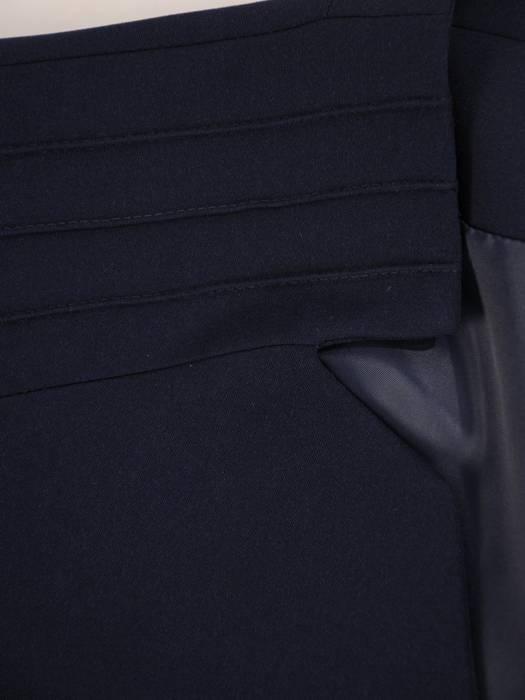 Elegancki żakiet z modnie wyciętym dekoltem 27398