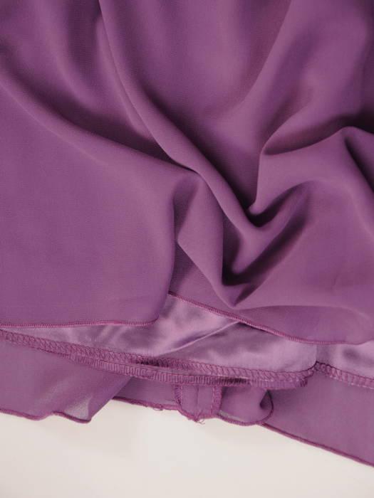 Fioletowa sukienka z koronkowym karczkiem, wizytowa kreacja w modnym fasonie 30814