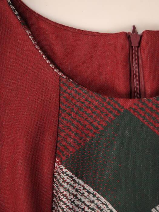 Jesienna sukienka z dzianiny z wyszczuplającymi wstawkami 31179