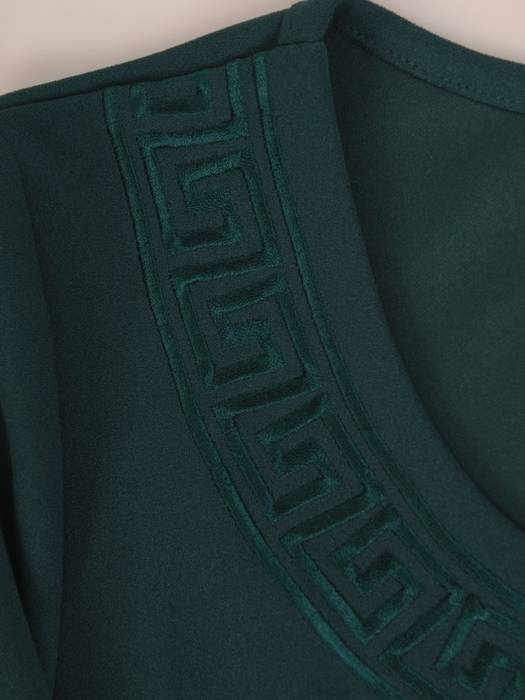 Klasyczna prosta sukienka z dzianiny 27403