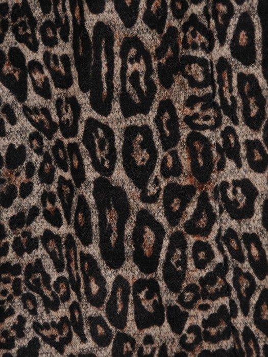 Kolekcja 28362, dzianinowe sukienki, spódnica oraz żakiet w zwierzęcym wzorze