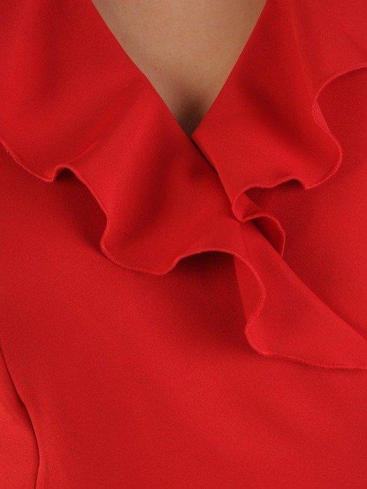 Kopertowa czerwona sukienka, kreacja z modnym żabotem 24843
