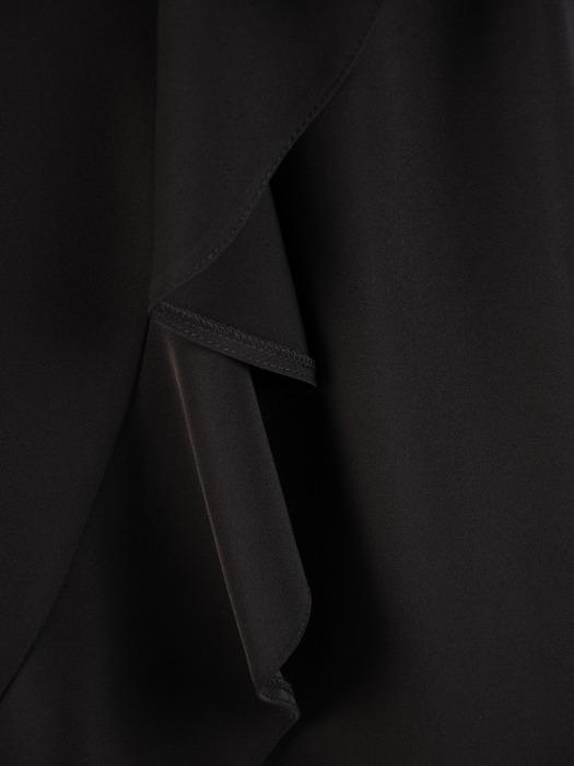Kopertowa sukienka z falbaną, elegancka kreacja w kolorze czarnym 21921