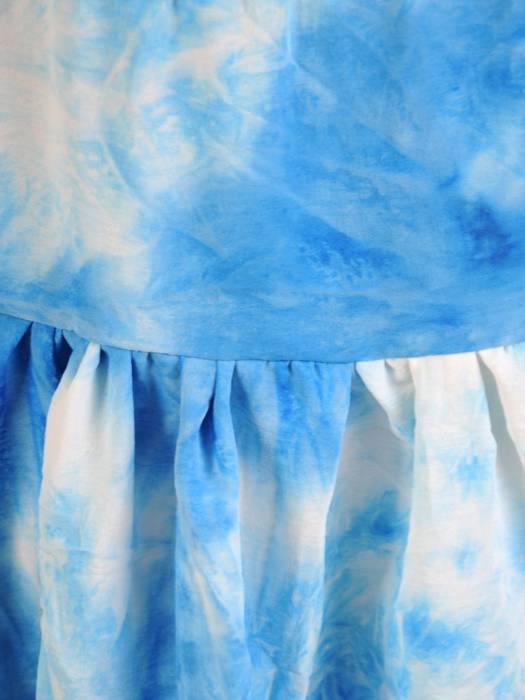 Letnia sukienka trapezowa z ozdobną falbaną 30292