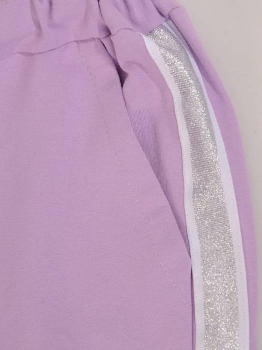 Liliowy komplet dresowy z ozdobnymi tasiemkami 28694