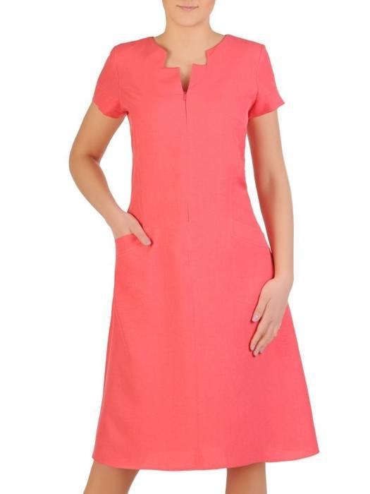 Lniana sukienka z ozdobnie wyciętym dekoltem 29362