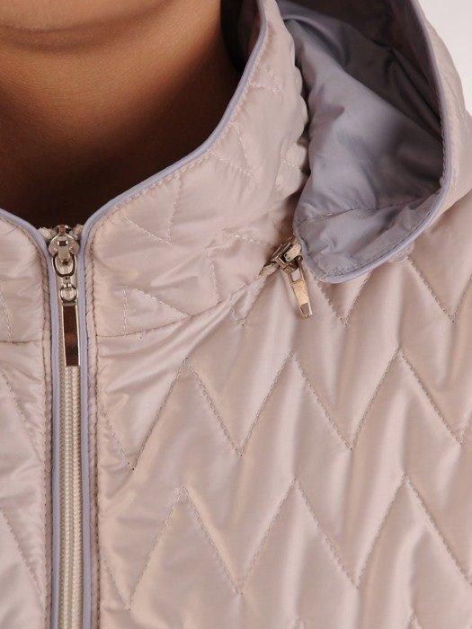 Luźna, pikowana kurtka z kapturem 24771