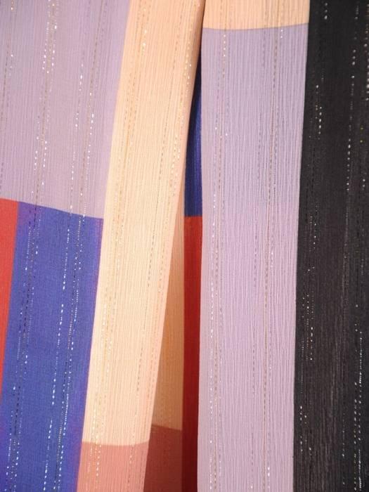 Luźna sukienka z kontrafałdą, oryginalna kreacja z półgolfem 29780