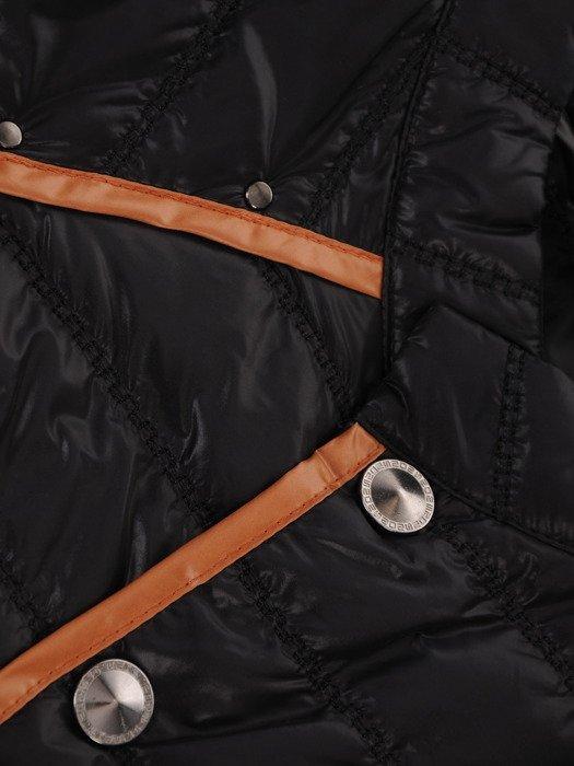 Pikowana kurtka z wyszczuplającymi lamówkami Pamela I.