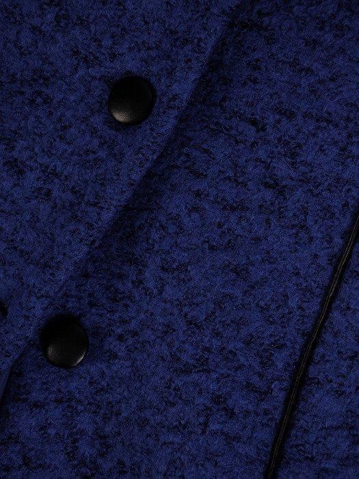 Płaszcz z wełny Kimberli I, chabrowa kreacja wykończona ekoskórą. Model ocieplany.