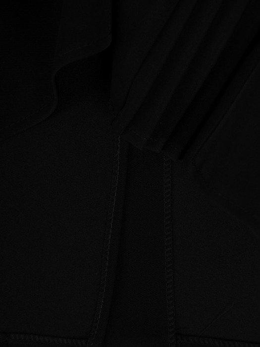 Prosta, czarna spódnica z wyszczuplającą wstawką 24379