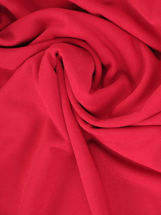 Prosta sukienka z asymetryczną, brokatową narzutką 23437