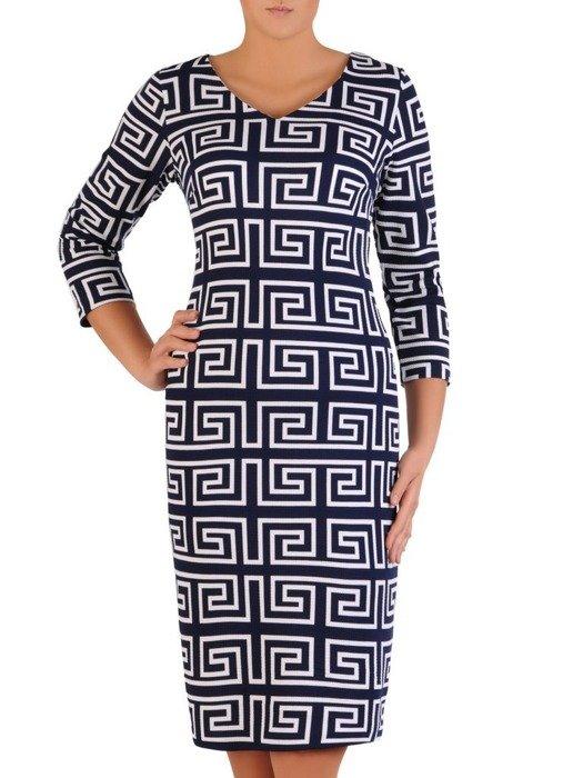 Prosta sukienka z dzianiny, kreacja w geometrycznym wzorze 23562