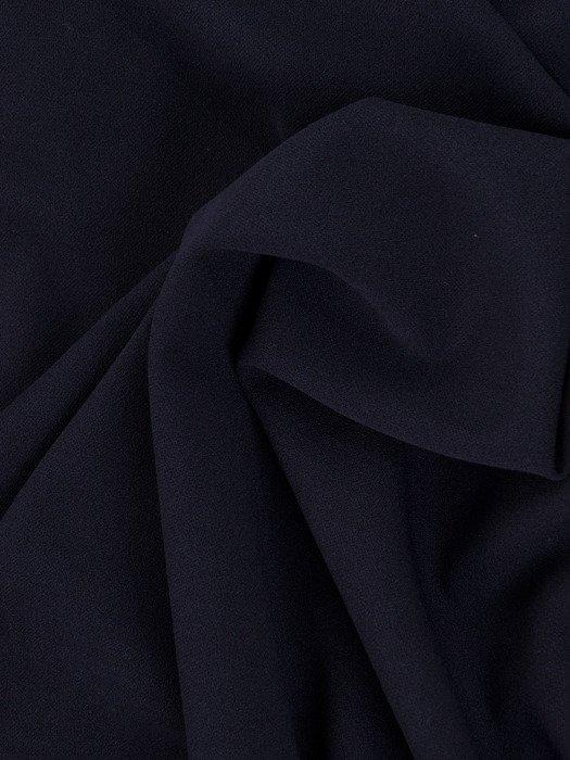 Prosta sukienka z koronkową narzutką 18232, kreacja maskująca brzuch i biodra.