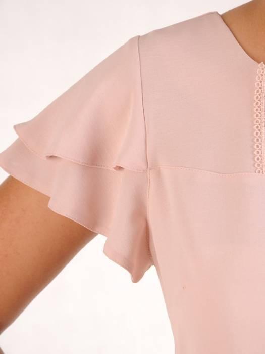 Pudrowa bluzka z ozdobnym dekoltem 26333