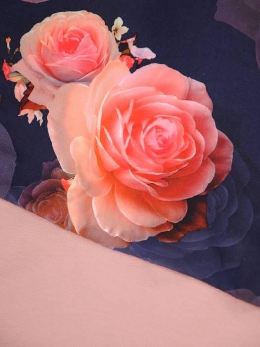 Pudrowy komplet dresowy w kwiatowy wzór 29691