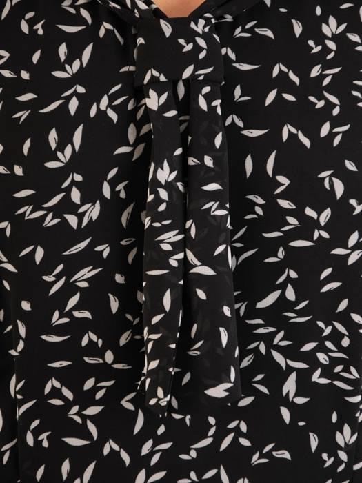 Rozkloszowana sukienka w kwiaty, kreacja z ozdobnym dekoltem 30494