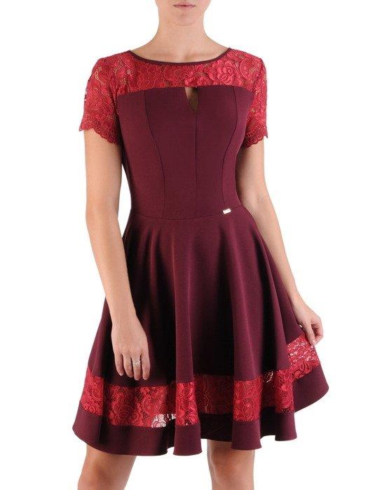 Rozkloszowana sukienka z koronkową wstawką Justyna IV, bordowa kreacja na wesele.