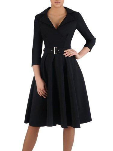 Rozkloszowana sukienka z modnym kołnierzem 14803, elegancka kreacja z paskiem.