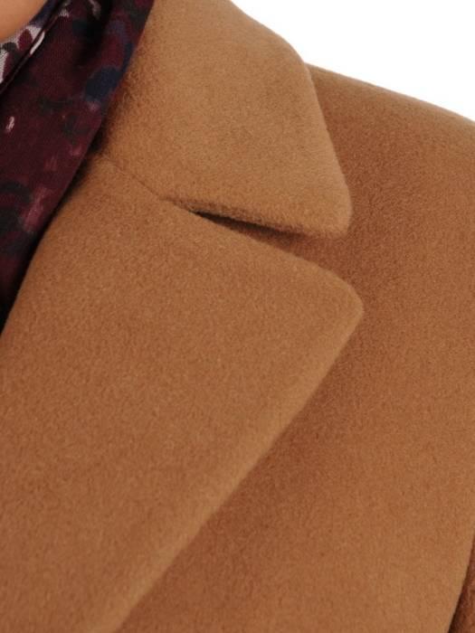 Rudy płaszcz damski z regulującym talię wiązanym paskiem 27792
