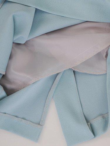 Sukienka damska 15708, kopertowa kreacja w fasonie maskującym brzuch i biodra.