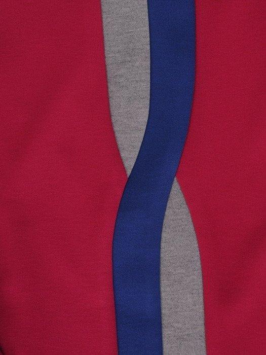 Sukienka damska 17854, malinowa kreacja z wyszczuplającymi wstawkami.