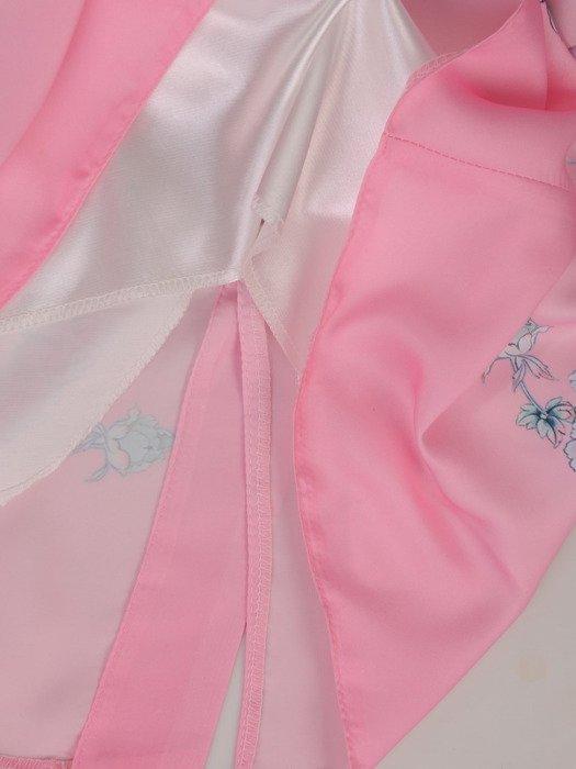 Sukienka damska Bernadeta II, wiosenna kreacja w kwiaty.